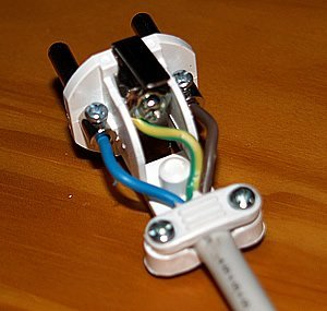 how to wire a spanish plug rh spainbuddy com wiring a plug european changing a european plug to uk