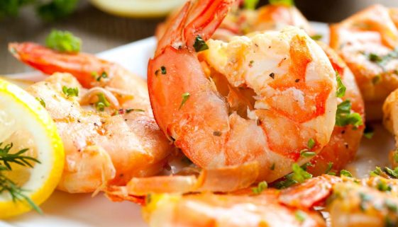 Prawns with lemon and garlic butter