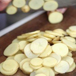 Easy Spanish recipe - patatas a la pobre