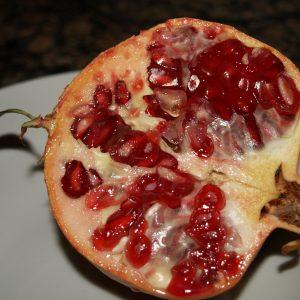 Easy Spanish recipe with pomegranates