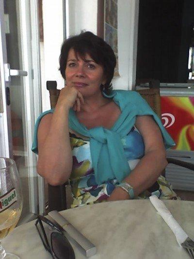 Expat Interview - Nadine Kazerounian Astorga