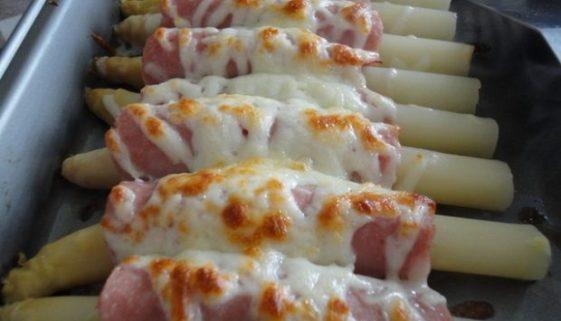 Easy Spanish recipe -espárragos gratinados