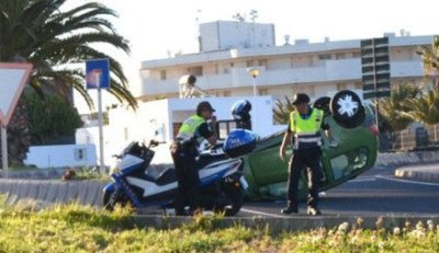 Lanzarote news - Car rolled in Puerto del Carmen