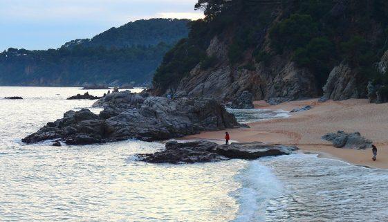 Costa Brava news | Bodies of two British women found