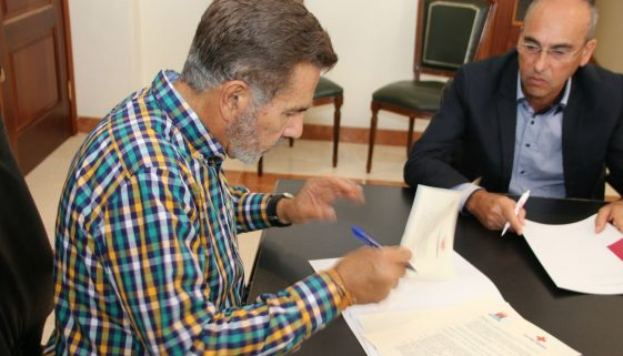 Red Cross courses agreement with Adeje