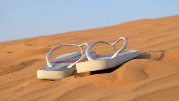 It isn't illegal to wear flip-flops while driving in Spain