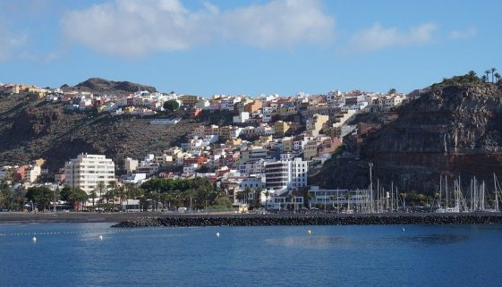 Eggs-tra Easter flights to the Canaries from Jet2