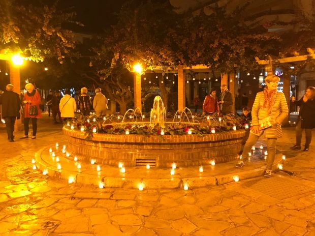 Candlelit Christmas shopping in Denia