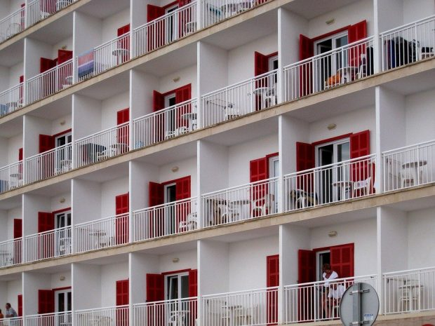 Ground floor rooms for young Brits in Magaluf