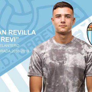 Striker Revi, new addition to CD Torrevieja