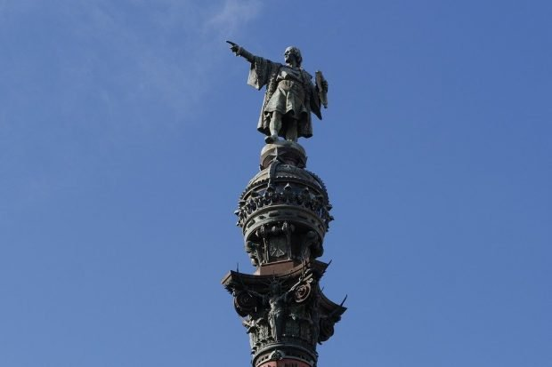 Places to see in Barcelona - Columbus Monument