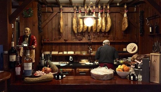 Essential travel tips to know before travelling to Spain