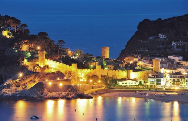 Tips on booking villas in Spain for the Costa Brava nightlife experience  | Travel